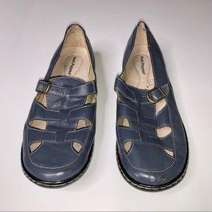 Blue Hush Puppies fisherman shoes 9.5